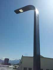 CURVE SOLAR POLE LIGHT 7.4 M